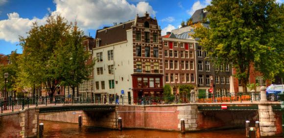 Amsterdão: um dos seus belo canais