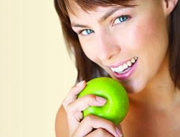 O branqueamento dentário e a melhoria da nossa auto-estima