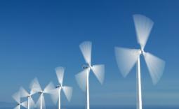 Quase 1500 milhões de euros de investimentos em Eólicas suspensos