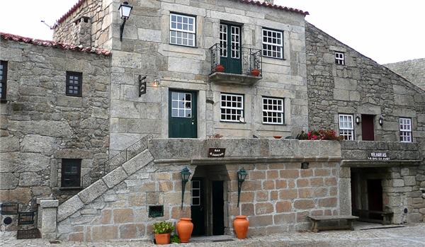 Sortelha e o seu castelo no concelho do Sabugal